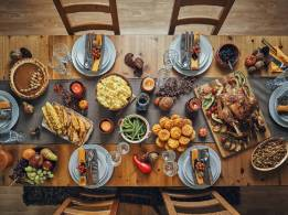 a-traditional-thanksgiving-dinner-5832-2d002fce3daffdf0c84c8273964a2019@1x